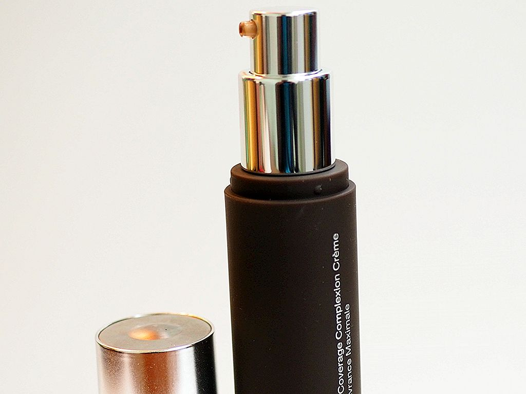Becca Ultimate Coverage Foundation Review